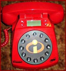10-0205 THE INCREDIBLES LAND PHONE