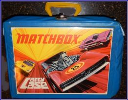 15-0483 VINTAGE MATCHBOX CARRY CASE