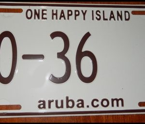 17-0343   0-36 ARUBA LICENSE PLATE ONE HAPPY ISLAND