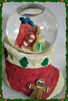Water Snow Globe by CARLTON CARDS 09-0313