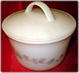 08-0825 PYREX GRAY FLOWERS SMALL BOWL CONTAINER LID