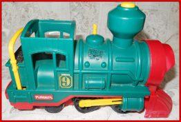 13-0108 VINTAGE PLAYSKOOL TRAIN ENGINE NO 9 1988